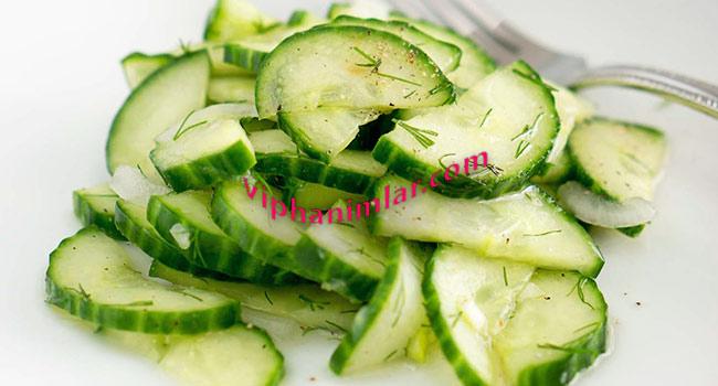 Salatalık Salatası Tarifi-www.viphanimlar.com