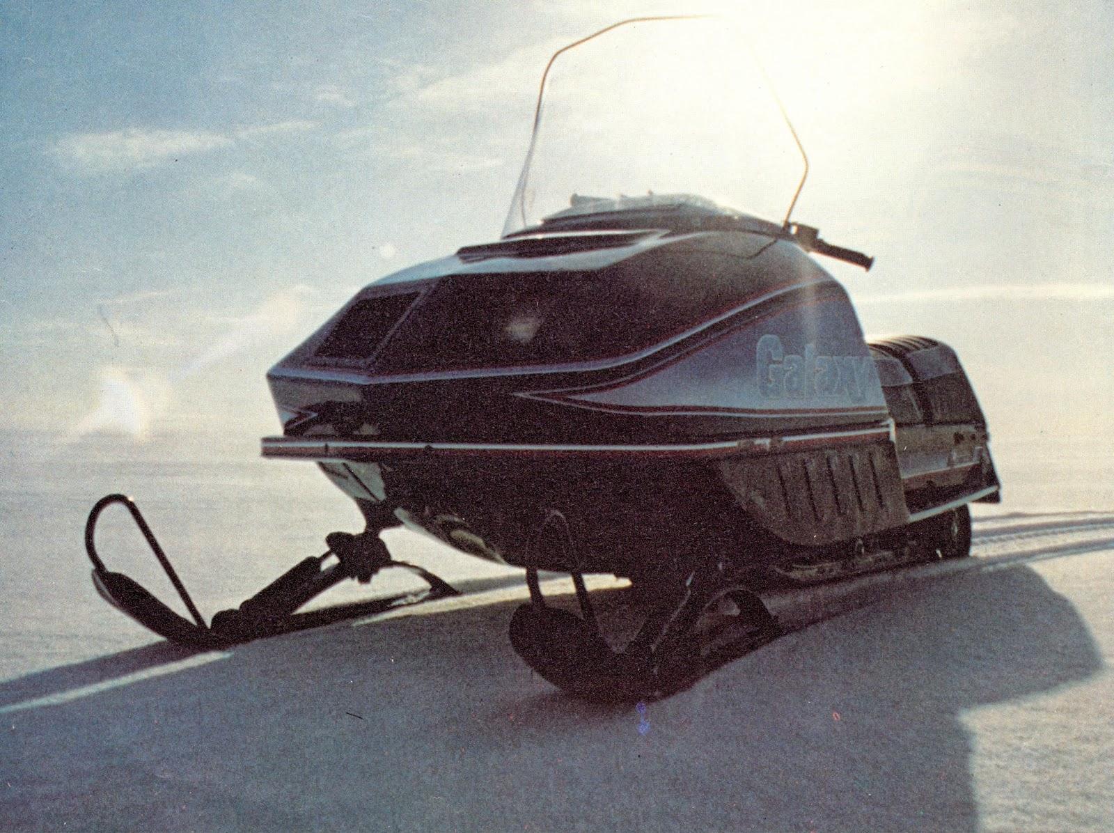 polari 340 snowmobile [ 1600 x 1196 Pixel ]