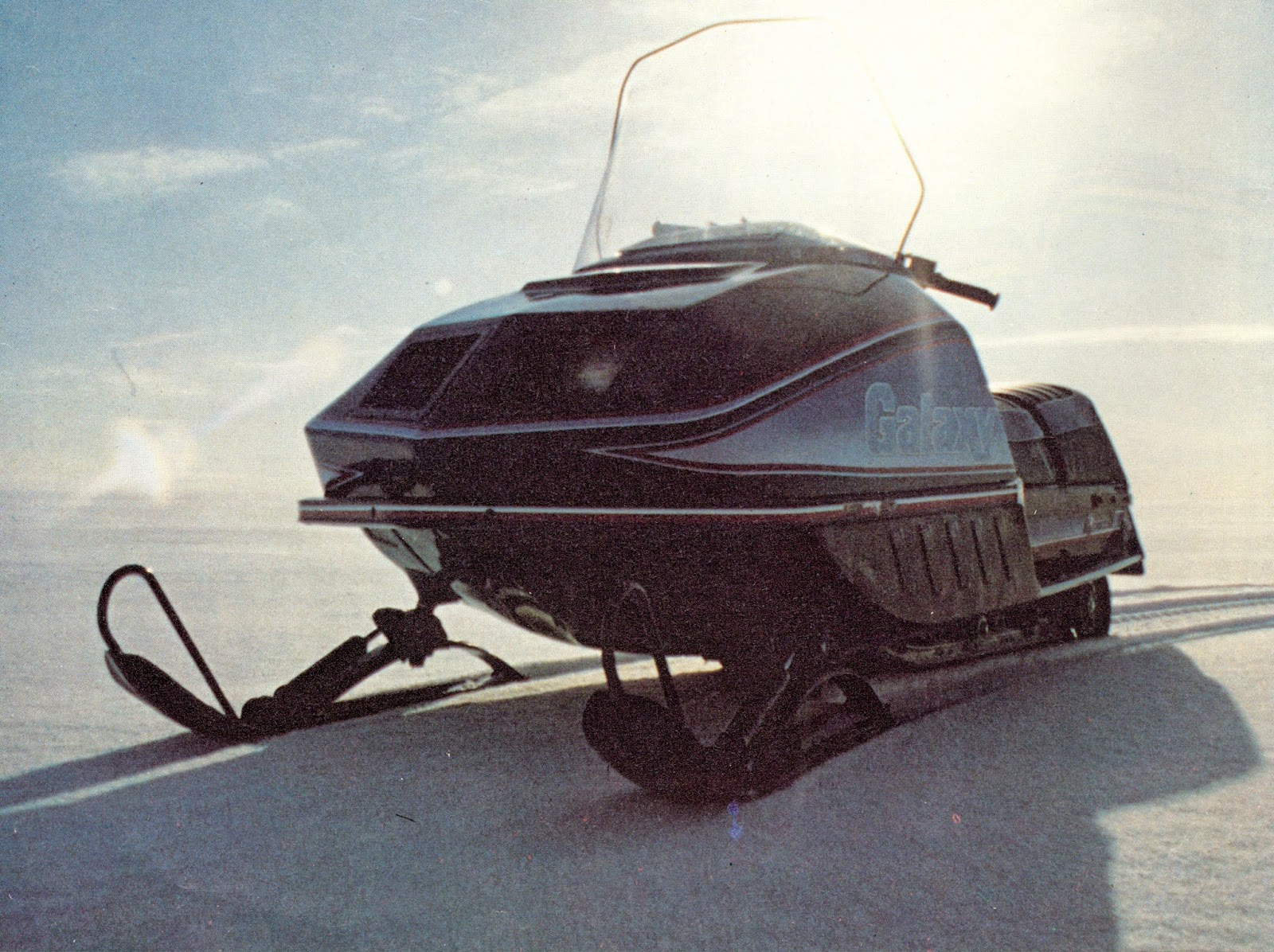 hight resolution of polari 340 snowmobile