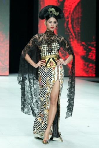 Model Baju Kebaya Ibu Hamil Koleksi Anne Avantie