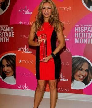 3de438fef 28 de septiembre de 2013 - La cantante de 42 años recibió el reconocimiento  de icono latino 2013 por su estilo y la influencia que tiene en los Estados  ...