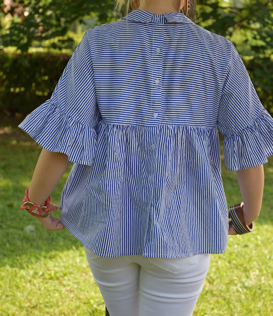 blue and white striped shirt how to wear striped shirt how to combine striped shirt summer outfits mariafelicia magno fashion bloggers italy color block by felym summer trend summer outfits