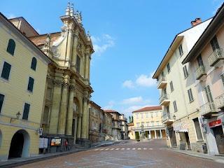 Piazza dei Caduti in Bra with the Bernini church of Sant'Andrea Apostolo on the left