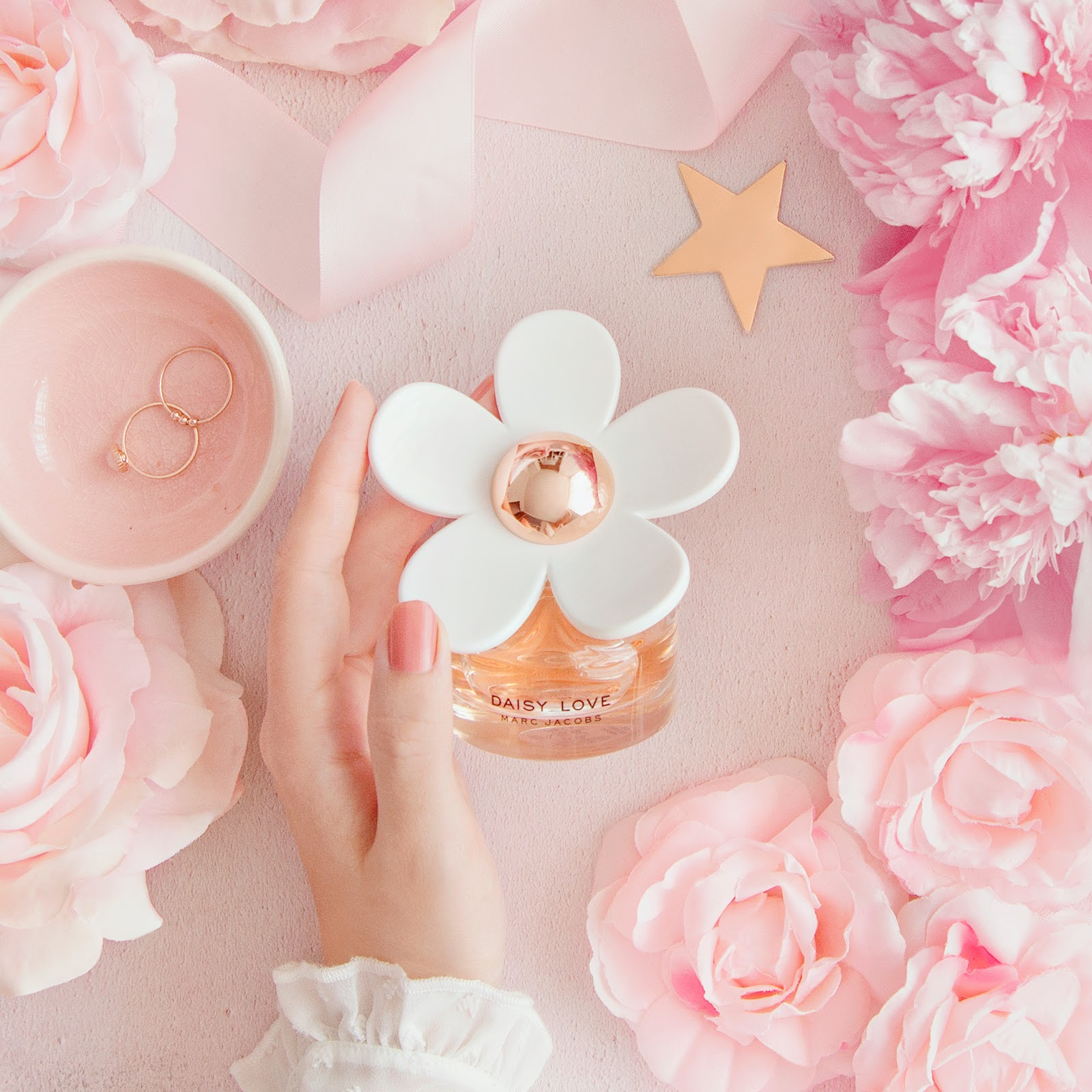 Friday Faye: Falling in Love with Daisy Love*