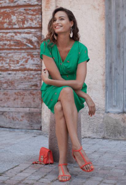 ee85d754ef15 Smukke kjoler i klare farver og evt. prints