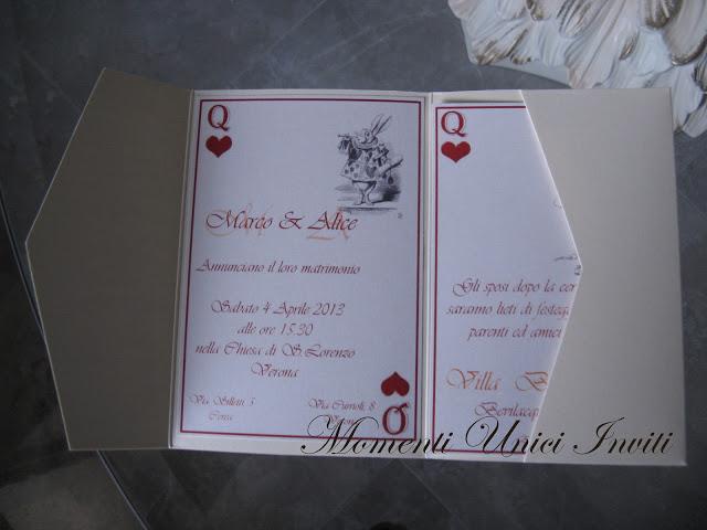 al Partecipazione tema Alice nel paese delle meravigliePartecipazioni Pocket Tema Alice in wonderland