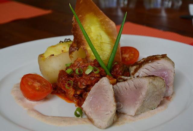 gastronomie Tahiti, gastronomie Frans-Polynesië, tonijn, rauwe vis,