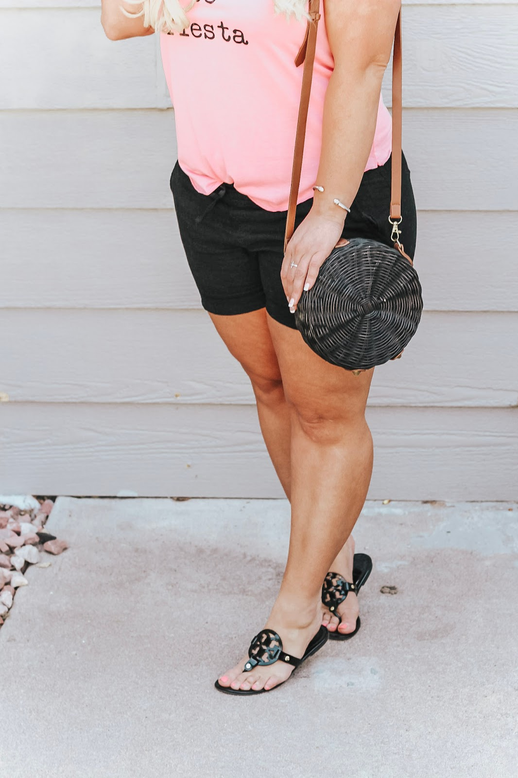 The perfect Fiesta Outfit featured by popular Colorado fashion blogger, Delayna Denaye