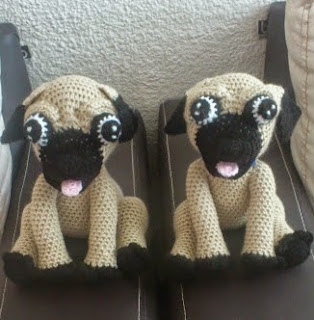 http://novedadesjenpoali.blogspot.de/2014/09/patron-de-perro-pugs-amigurumi.html