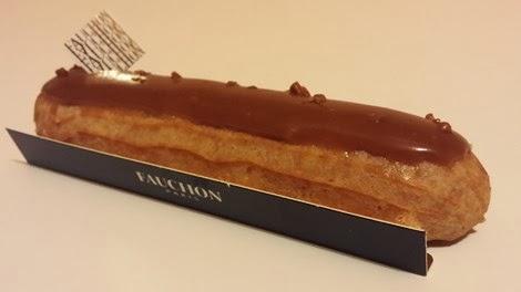 L'éclair caramel au beurre salé de la pâtisserie Fauchon.