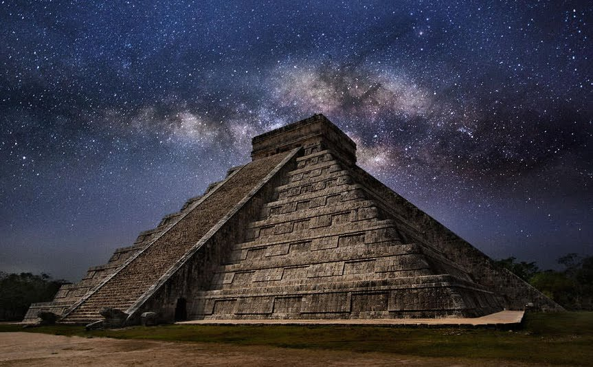 Energia Aliena nella misteriosa luce sulla piramide di Kukulkàn in Messico?