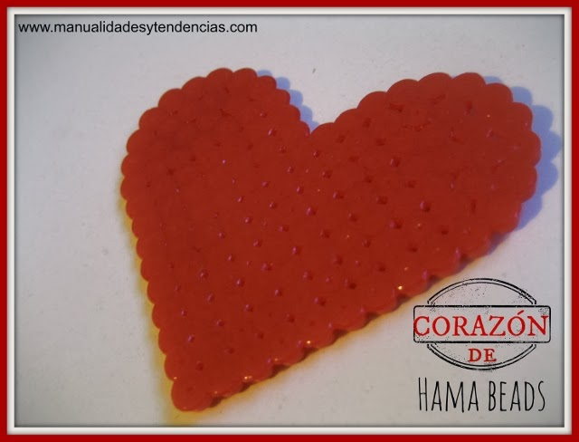tutorial de corazón hecho con Hama beads o Pyssla de Ikea / Heart made of Hama beads or Pyssla from ikea