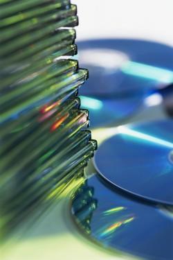 pile de CD-Rom avec boîtiers