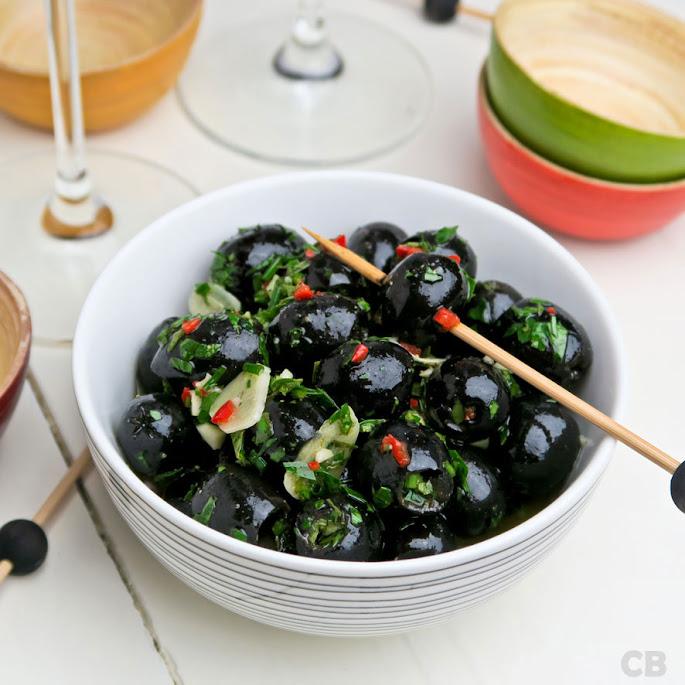 Gemarineerde zwarte olijven