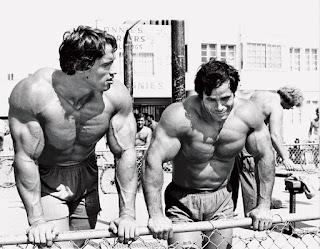 Schwarzenegger y Franco Columbu durante su época de culturistas
