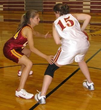 Pengertian Pivot Dalam Permainan Bola Basket Tujuan Dan Cara Melakukannya