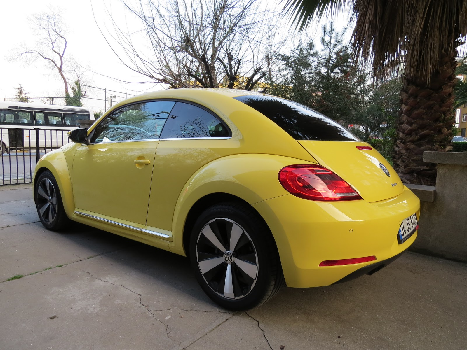 Who Designed The Vw Beetle >> Agamemnon: Volkswagen Beetle 1.2 TSI DSG Design