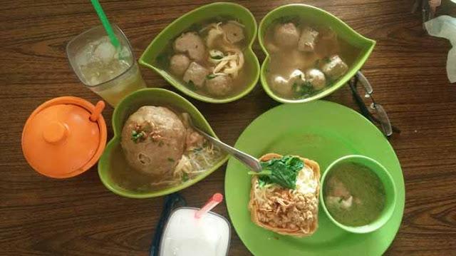 tempat makan bakso enak di Bandung
