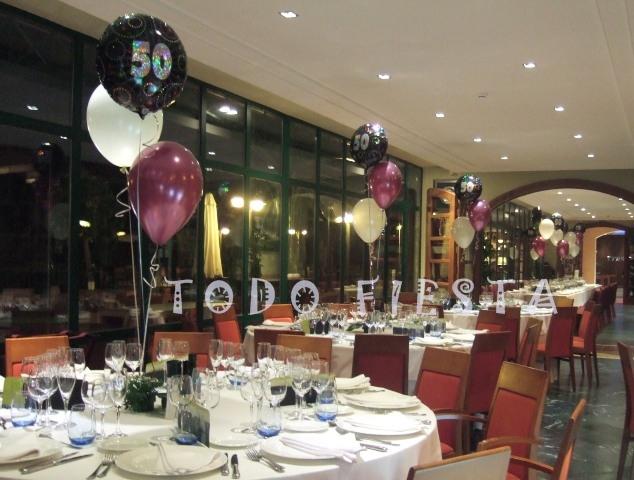 Decoraci n con globos de todo fiesta decoraciones para - Mesa cumpleanos adulto ...