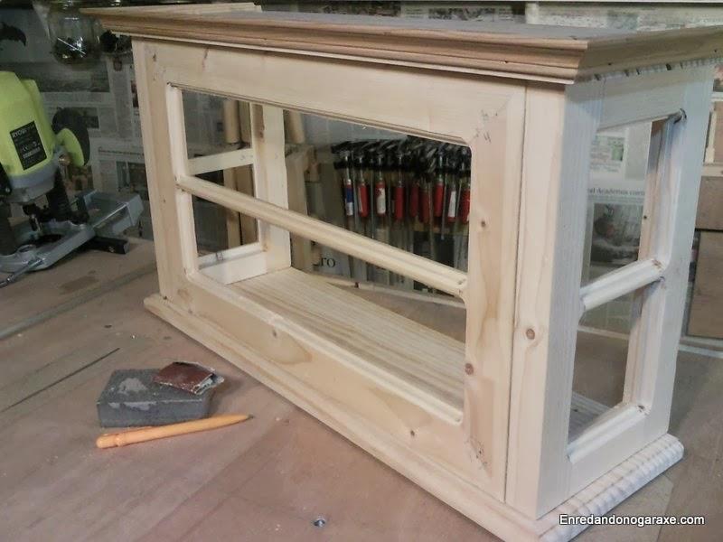 Como fabricar la puerta de la vitrina de coleccionista. Enredandonogaraxe.com