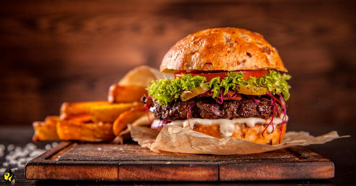 Por que você deve preferir dois hambúrgueres a um hambúrguer com batata frita