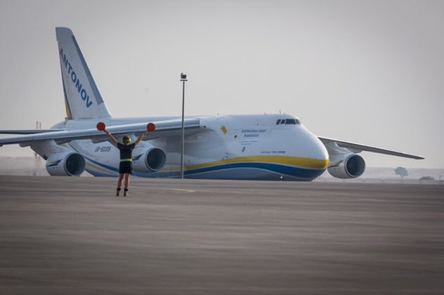 An-124 delivers F-35 training equipment Australia