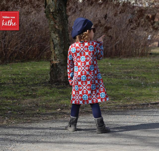 Louisa Dress von Compagnie M aus Woodland Hearts von Bienvenido Colorido, Mütze Lilou und Leggings Beinschmeichelein von Rosarosa