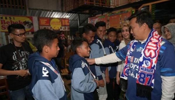 Menpora Berharap Sepak Bola Indonesia Jadi Tontonan yang Nyaman