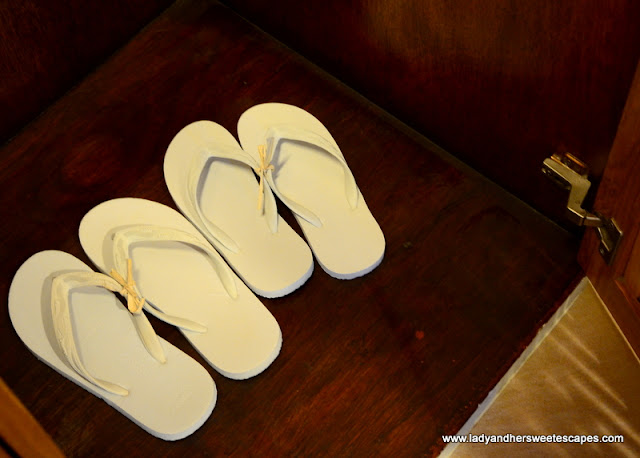 complimentary flipflops