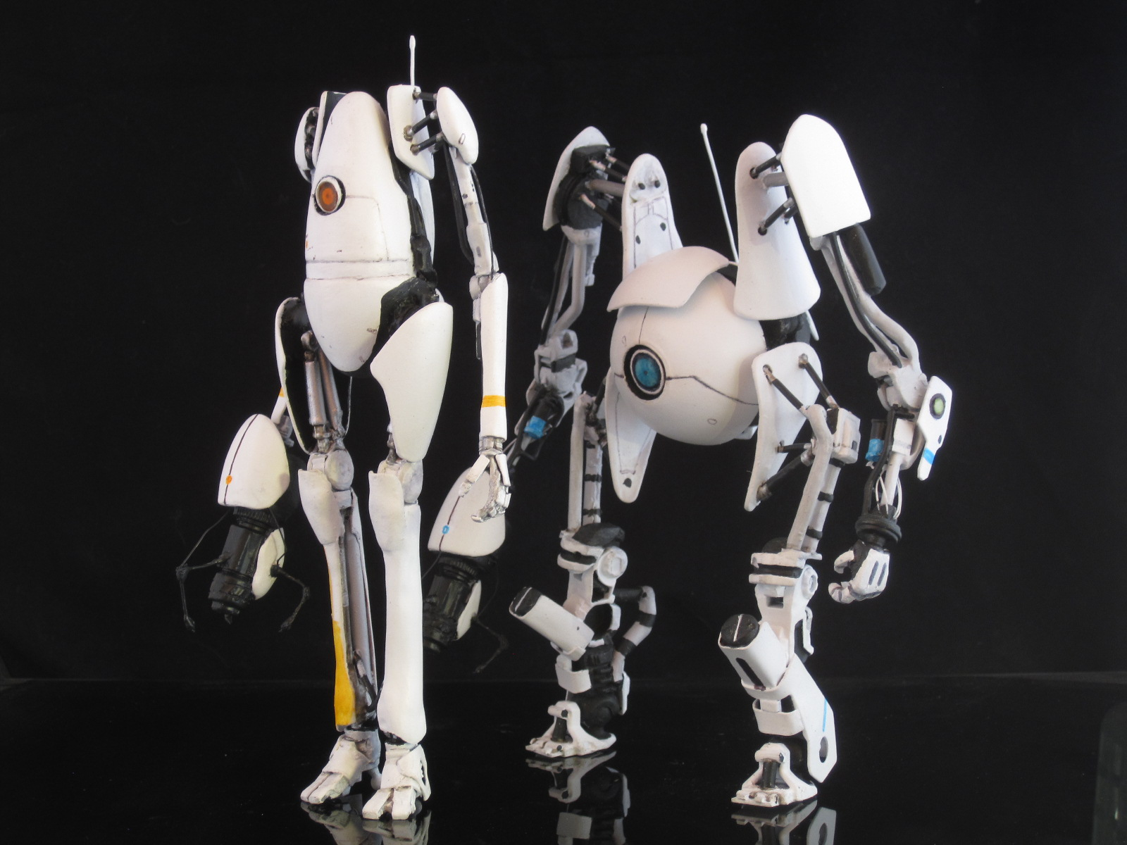 Sabretooth's Workshop: portal 2 robots Atlas and P-body ...
