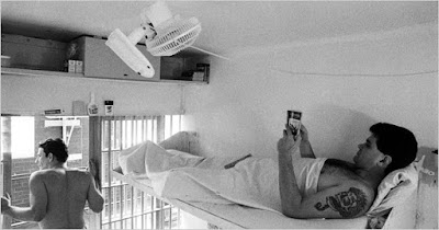 Cameron Todd Willingham lying in his cell in 1994.
