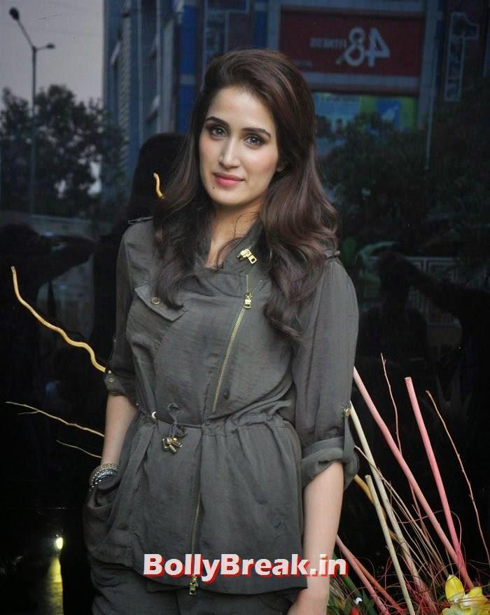 Sagarika Ghatge, 'Khatron Ke Khiladi' 6 Contestants Hot Pics
