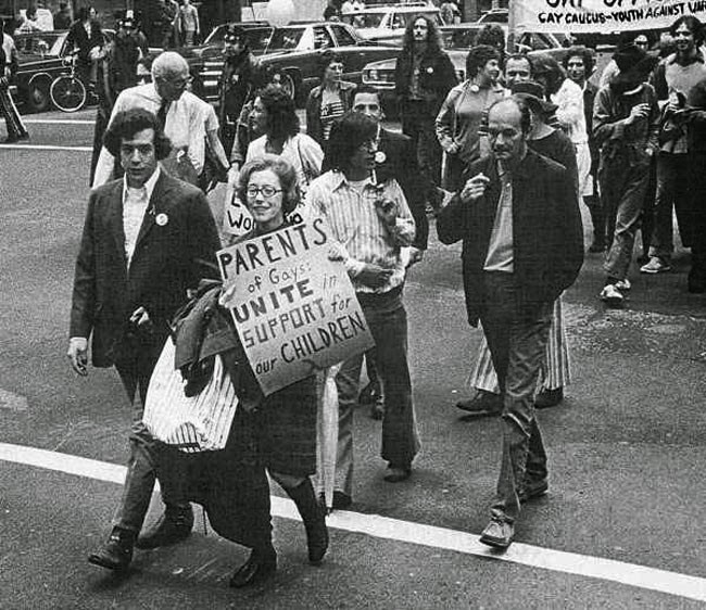 52 photos of women who changed history forever - Jeanne Manford marches with her gay son during a Pride Parade. [1972]