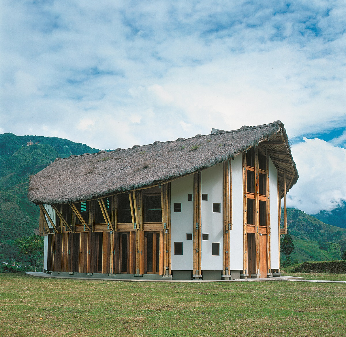 ARTEGUADUA COLOMBIA : Biblioteca en Bambú Pública en Guanacas Inzá Colombia