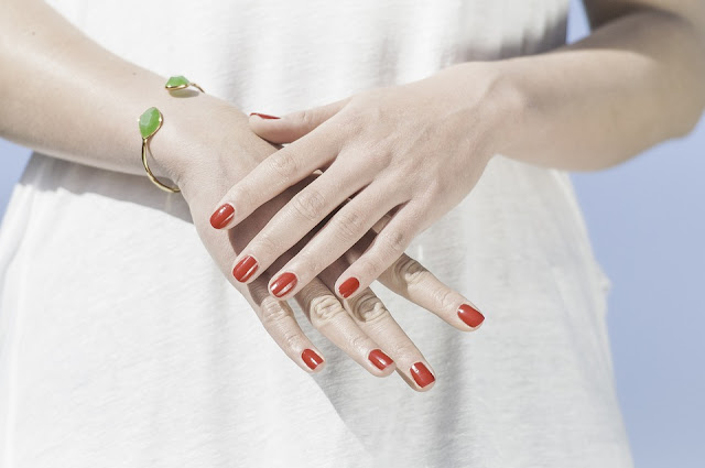 وصفات سحرية لتنعيم وترطيب يديكي وتفتيحها