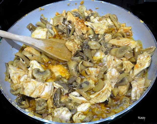 Arroz Con Pollo Y Champiñones Al Curry