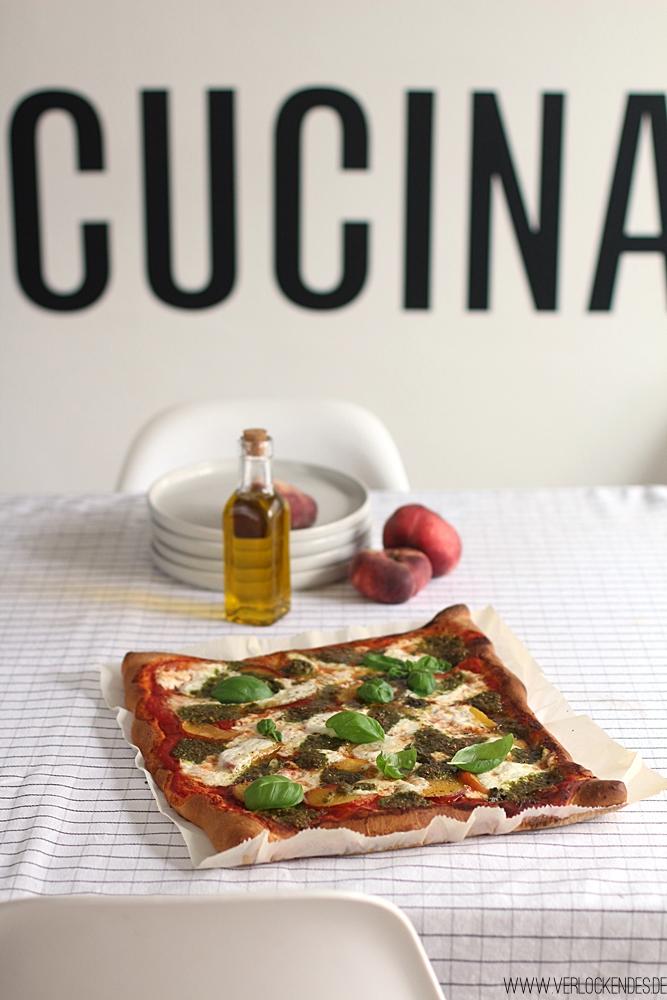 Pizza mit Burrata Foodblog italienische Küche
