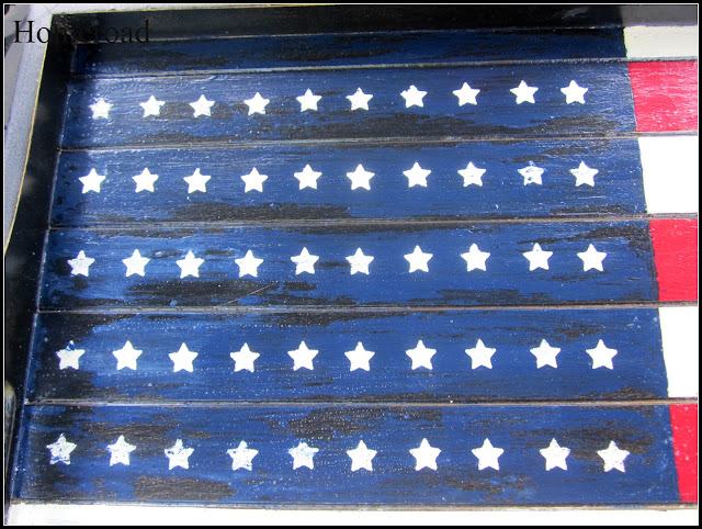 Blue paint treatment on Flag tray