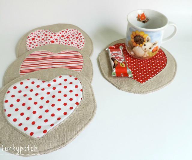 Como hacer un mug rug o posa vasos con corazones