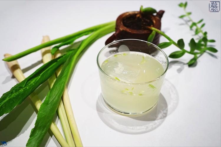 Le Chameau Bleu - Recette d''un cocktail Pisco Ngo Gai Citronnelle Lime