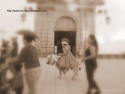 Procesión en el día de todos los santos en Santa Cruz de las Flores