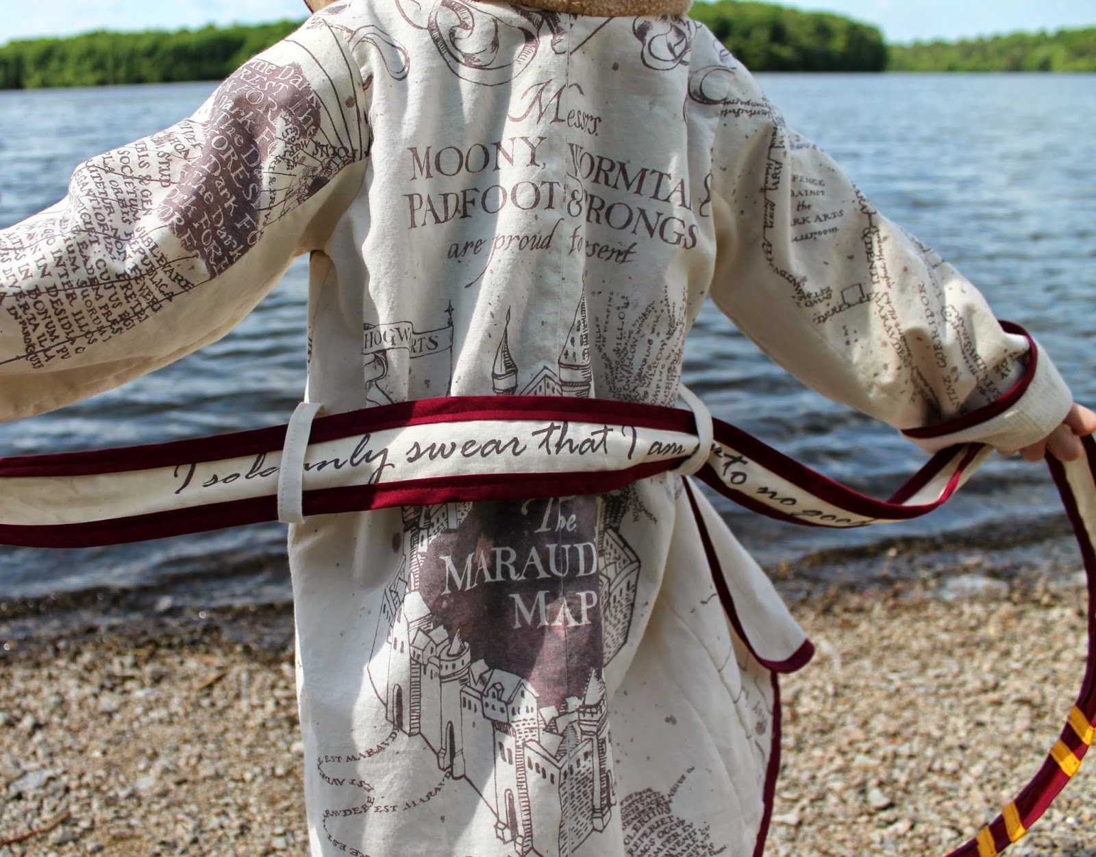Harry Potter Marauder's Map Beach Robe | The Inspired Wren for CraftingCon