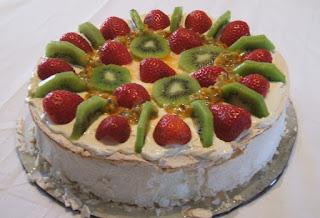 Pavlova dessert by Hazel Fowler