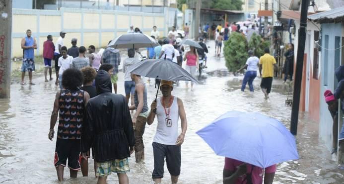 Meteorología advierte lluvias vinculadas a María seguirán