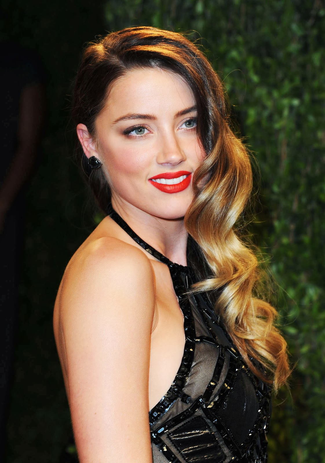 American actress and model Amber Laura Heard photo album ...