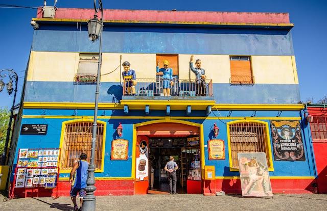 Η πολύχρωμη συνοικία La Boca του Μπουένος Άιρες