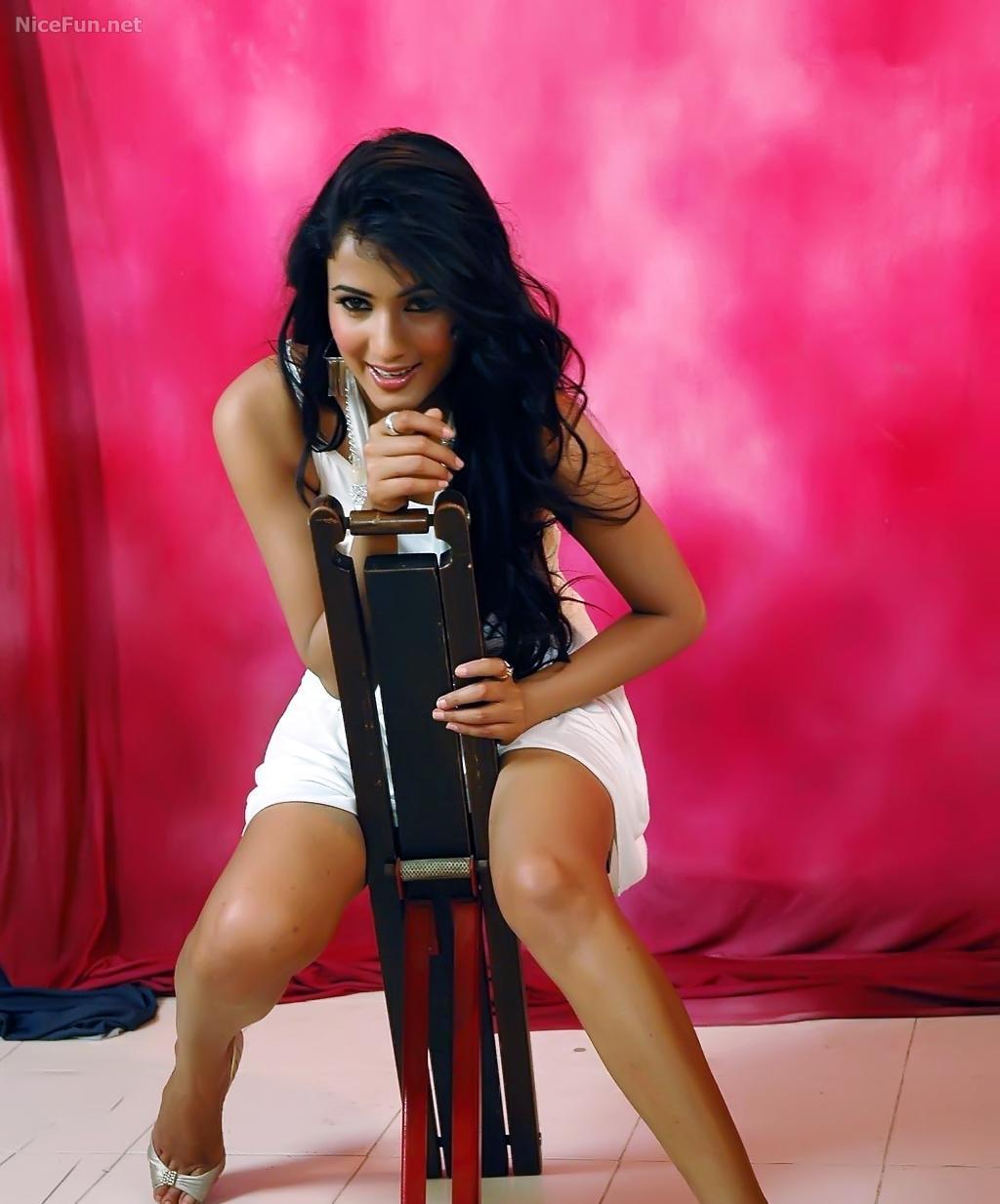 Kareena Kapoor Vs Amisha Patel Wallpaper Sonal Chauhans -6443