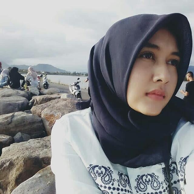 Beautiful Hijaber From Jakarta
