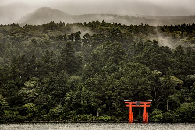 35. Lago Ashi