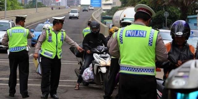 Video Pengendara Lawan Arus Hindari Razia di Jalan Layang Non Tol